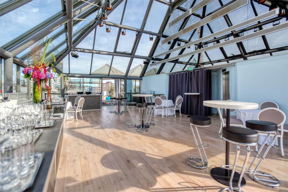 Surface intérieure de 80m2 du rooftop grenelle