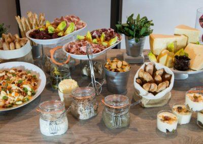 Exemple 3 de buffet dinatoire pour soirées au rooftop grenelle à paris